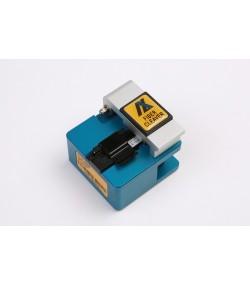 Taglierina di precisione per fibre ottiche